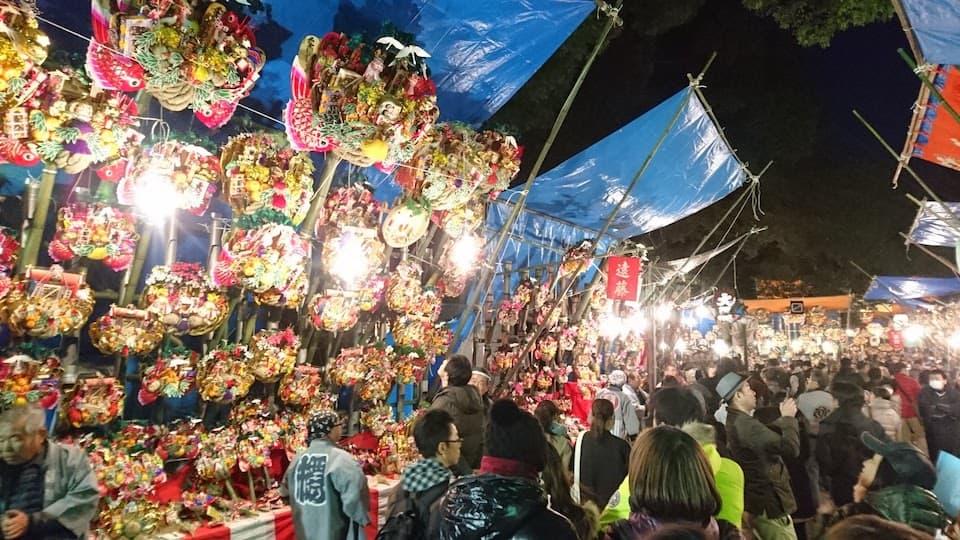 埼玉で熊手を買うなら、大宮氷川神社「十日市」がおすすめ