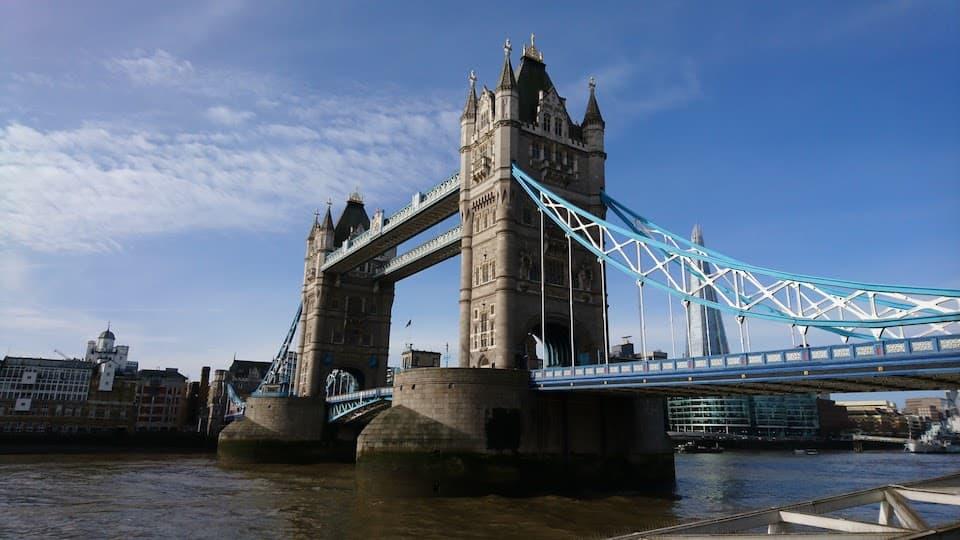 エリザベス女王が《ロンドンマラソン2018》の大会スターターに!ウィンザー城から号砲