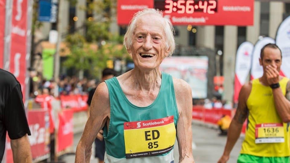 【追悼】70歳で「サブ3」、86歳で「サブ4」のエド・ウィットロックさん ともらん