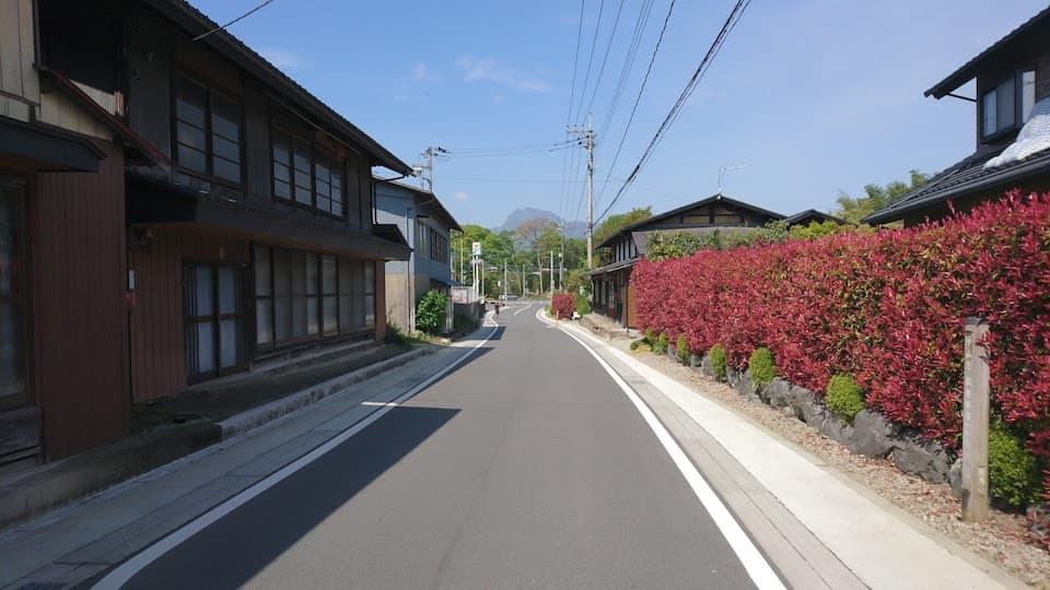 松井田宿への上り坂
