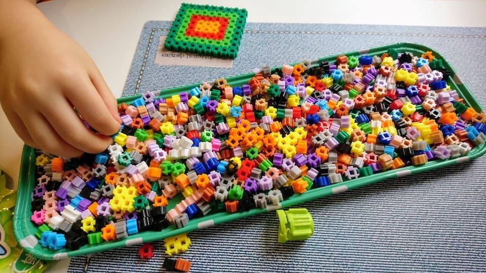 スマホは禁止!大人も遊ぶ「おもちゃカフェ ブロックはかせ.LABO」 in 浦和