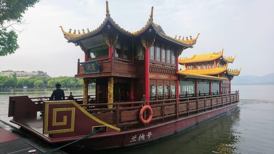 世界遺産「杭州西湖」。遊覧船、貸切船、カート、タクシーの乗り方と料金