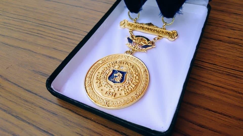 週刊ともらん:川内優輝の「ボストン金メダル」とご対面 ともらん