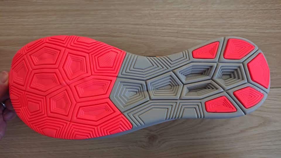 ズーム フライ フライニットの靴底