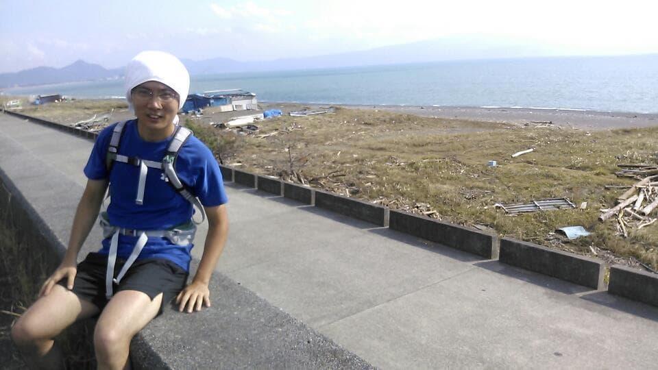 駿河湾をバックに記念撮影