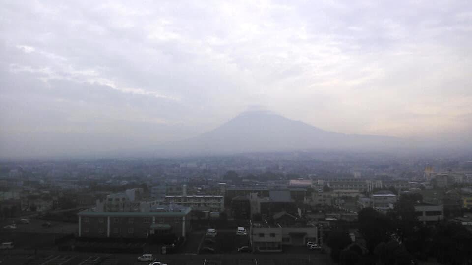 富士市から見た富士山