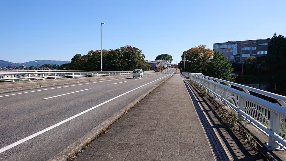 釈迦堂川にかかる橋