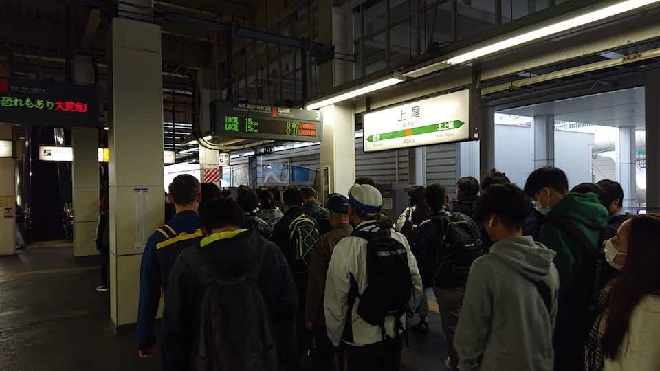 上尾駅のホーム