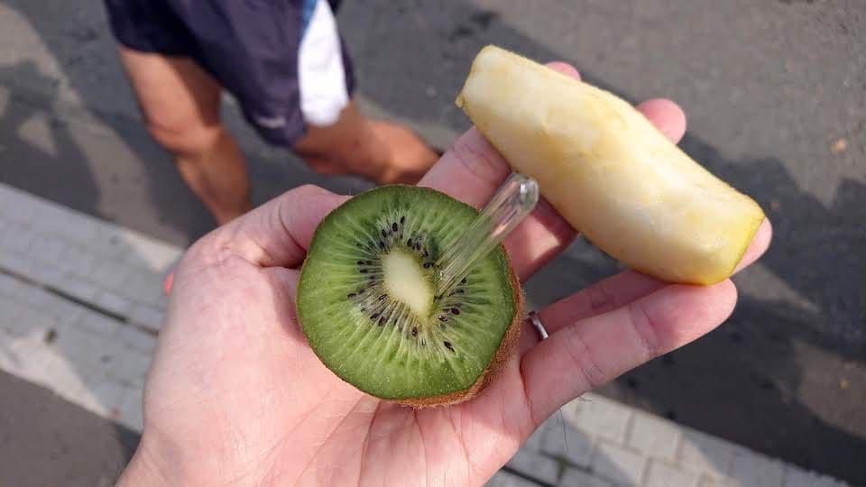リンゴとキュウイフルーツ
