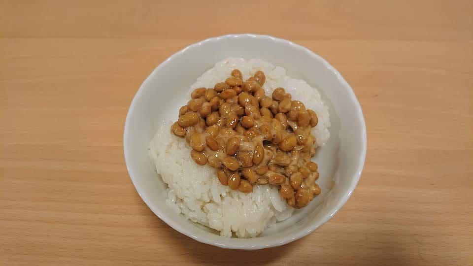 勝負メシになるはずだった、納豆ご飯