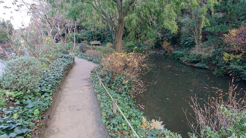クロード・モネの世界観を再現した庭園