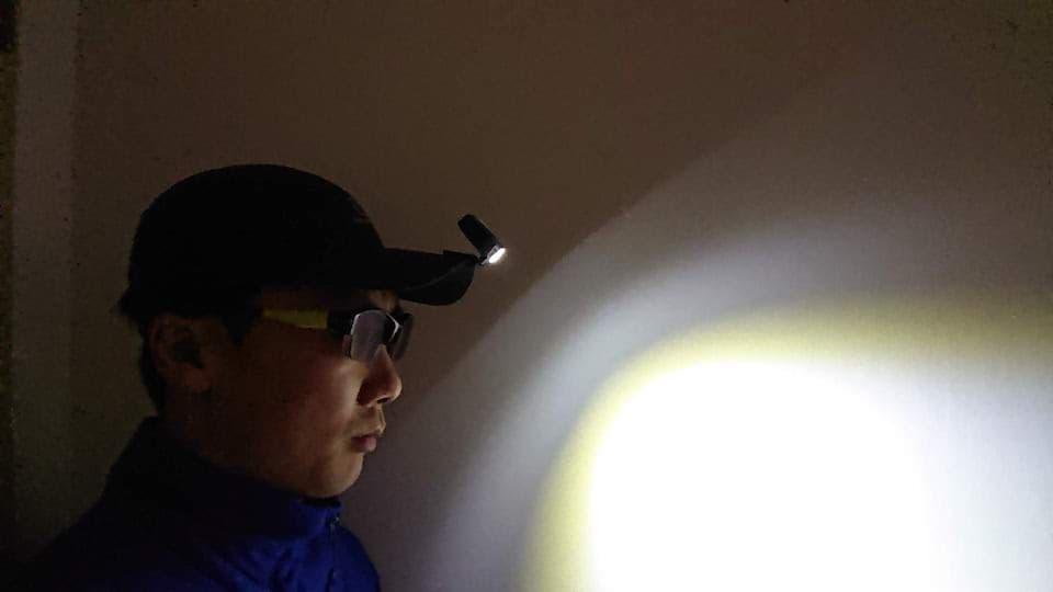 ブラッキューブ(BLACKUBE)キャップライトの評価&レビュー。充電式ライトで夜のランニングも安心