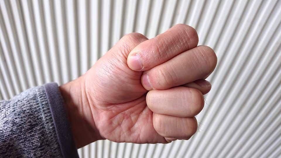 ランニング中の「手」の握り方。世界トップのマラソン選手はどうして ...